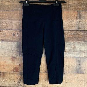 Oiselle Pocket Jogger black capri leggings Size 4